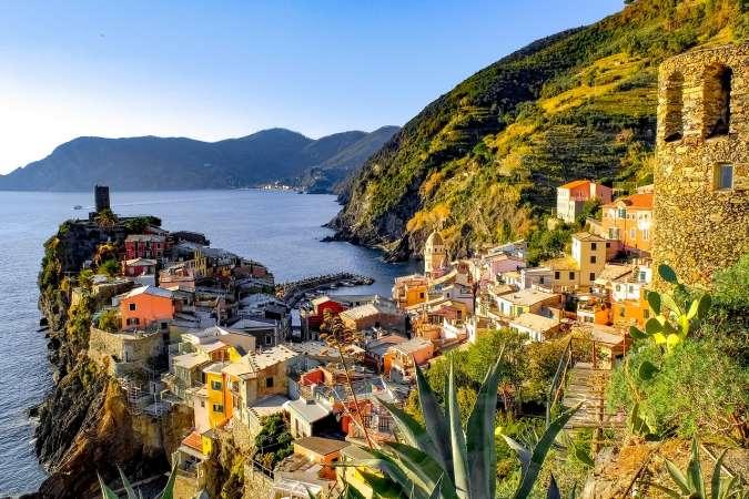 Sailing Le Cinque Terre | Catamaran Holiday Charter | Italy