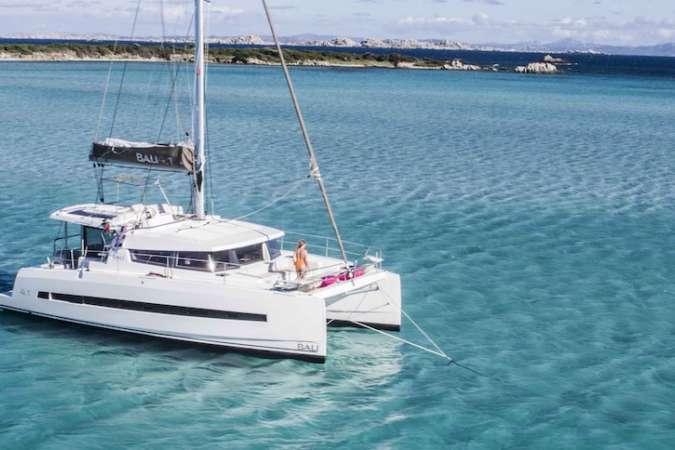 Catamaran Holiday | Sailing Sicily | Favignana Levanzo Marettimo | Italy