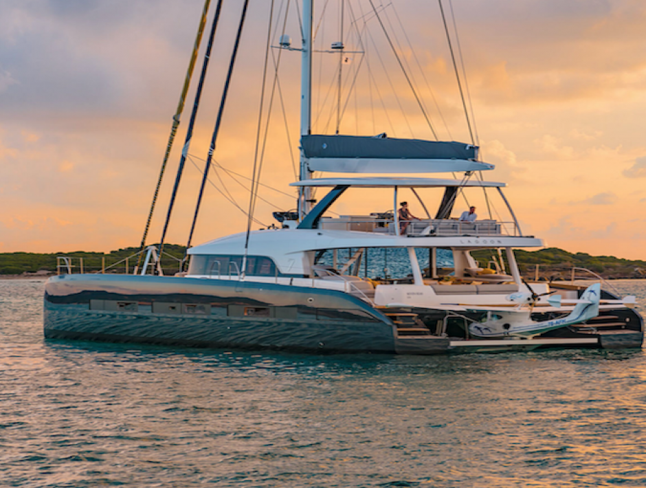 Where can I find best Bahamas yacht charter companies?